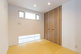 坊主畳の和室がオシャレで癒しの空間に。