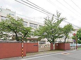 大田区立大森第十中学校・・距離約1600m(徒歩20分)