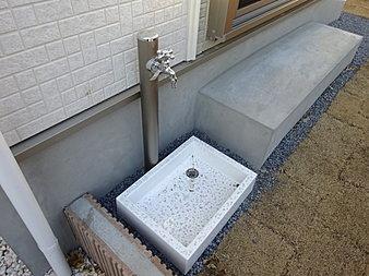 お庭先には立水栓がございます!