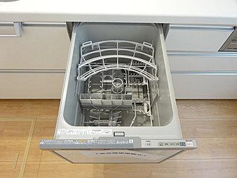 キッチンにはビルトイン食洗器がございます!