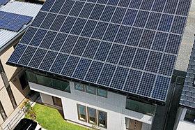 大容量の太陽光を搭載。発電メリットも期待でき、家計をサポート