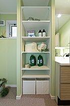 ■脱衣室には、洗剤、下着、タオルに汚れ物入れのカゴをどうぞ