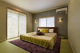 ■寝室から庭に動線が有り、布団などの大きな物も楽に干せる