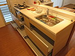 【モデルハウス公開中】ナチュラルカラーの広々カウンターキッチン。収納力も抜群!