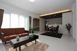 LDK18帖と和室の続き間の大空間 ワウハウス 飾磨区今在家