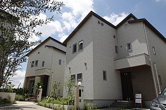 外断熱と二重通気工法の高性能健康分譲住宅