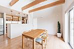 女性建築家が設計を担当いたしますので、家事の動線や使いやすい収納のあり方、心地よい空間づくりやご希望の暮らし方などの細部にまで配慮した間取りプランニングをさせていただきます。