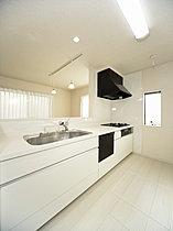 ビルトイン食器洗浄乾燥機が忙しい家事をサポート!