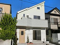 南西約5mの道路に面した陽当たり良好な邸宅です。グルニエもあり...