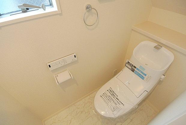 【【ウォシュレット付きトイレ】】快適な温水清浄便座付。いつも使うトイレだからこそ、こだわりたいポイントですね。