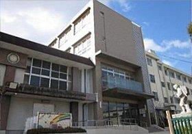和泉市でも3番目のマンモス校の北松尾小学校。