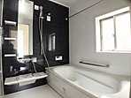 浴室 ゆったりと足を伸ばせる一坪タイプの浴室です。
