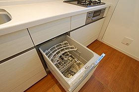 高温でパワフルに洗い、温風乾燥する食洗機♪
