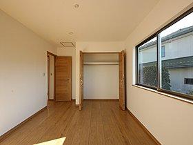 飾リ過ぎないシンプルな内装と偏り過ぎないデザインのお部屋