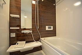 テレビを見ながらゆったりとお風呂に入れます。