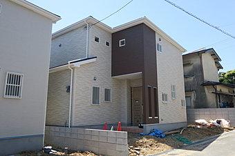 日当たりのいい家です。 土地面積:102.91m2(約31.13坪) 建物面積:96.18m2(約29.09坪)