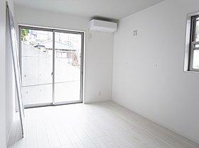 エアコン、照明も標準設置☆