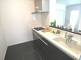 忙しい奥様の家事効率を最優先に考えられたキッチン。