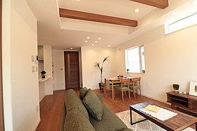 オープンタイプの2wayキッチンでリビング階段のNo.6邸