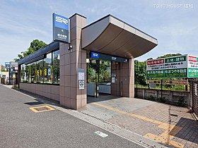 新井宿駅まで1930m 新井宿駅は、埼玉スタジアム線の停車駅
