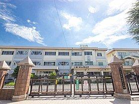 さいたま市立西浦和小学校まで1100m 歴史を誇る西浦和小学