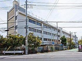 川口市立柳崎小学校まで600m