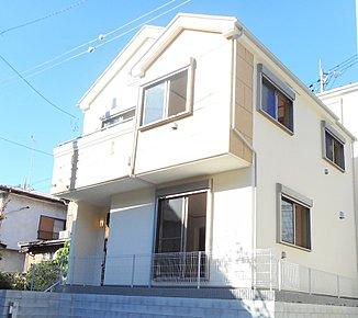 【A号棟】小田急線「生田」駅へ徒歩圏内の閑静な住宅地。