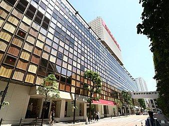 玉川高島屋と340の専門店が集う洗練されたショッピングセンターです。屋上庭園もあり、多くの人でにぎわっています。