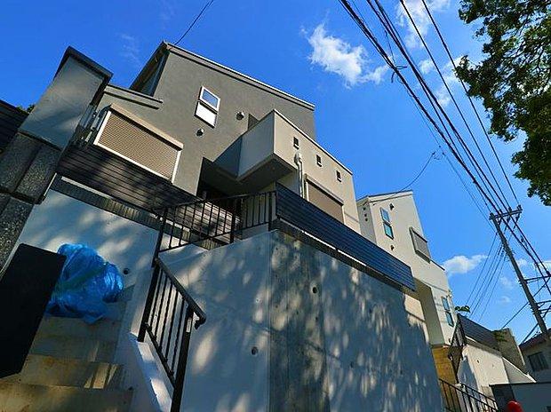 風情ある小日向の高台に立地「文京区小日向1丁目 新築戸建」