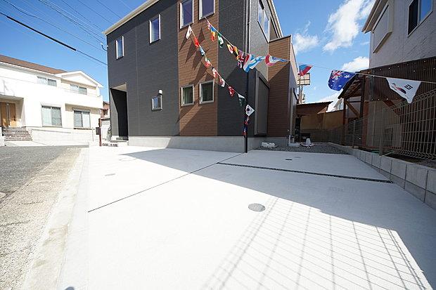 【カースペース】2台駐車可能