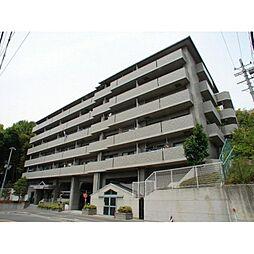 大阪府吹田市山田東3丁目の賃貸マンションの外観
