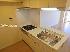 システムキッチン新規設置。