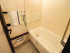 湿気がこもりやすい浴室に浴室乾燥機が付いています