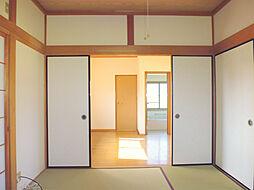 光入る和室です