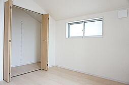 2階洋室5帖。...