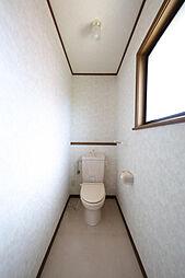 2階にもトイレ...