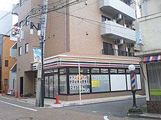 セフンイレフン世田谷用賀駅東店(200m)