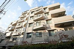 ~ 新規内装リフォーム 1階・三方角部屋 ペット飼育可 住宅ローン控除対象物件・登録免許税軽減処置対象物件です ~