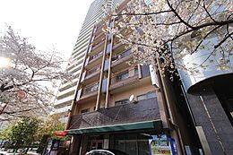 西武池袋線・有楽町線・都営大江戸線「練馬」駅より徒歩7分。3路線使用可能で、通勤・通学に便利です。。