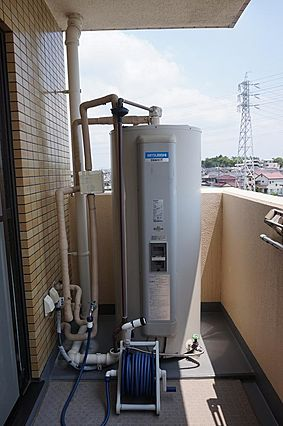 電気温水器交換...