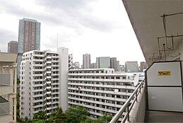 バルコニーからの眺望(佃リバーシティ方面)