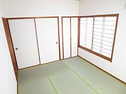 1階の和室は壁...