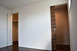 書斎もある洋室7.0帖のお部屋です