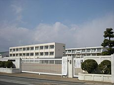天満小学校…約810m
