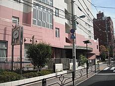 小学校文京区立本郷小学校まで327m