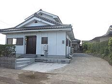 リフォーム済み。3LDK2階建の住宅です窓から桜島が一望できます。