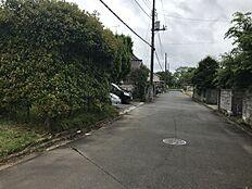前面道路 北側約6.1m道路に接道です。