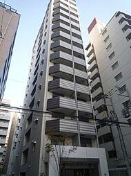 クリスタルグランツ新大阪の外観