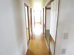 1階廊下です。...