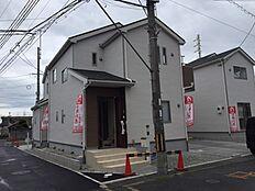 1号棟現地写真です。毎週土曜日・日曜日・祝日はオープンハウス開催中です。